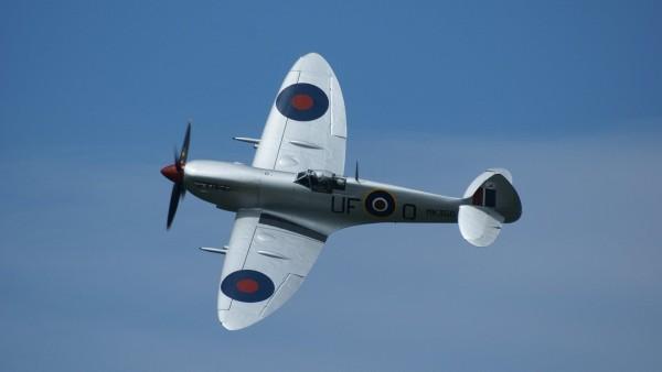 Spitfire LFIX MK356 самолет в небе картинки