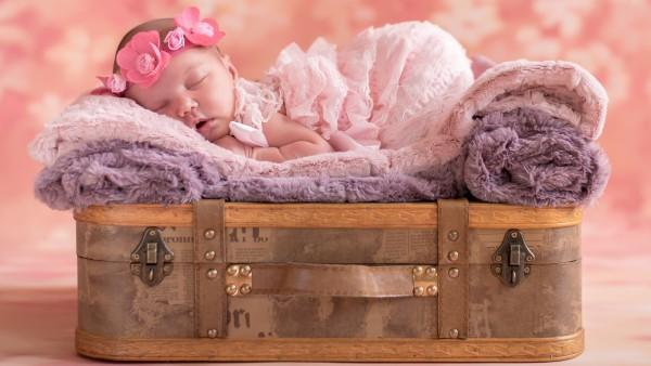 милый ребенок спит HD обои на рабочий стол