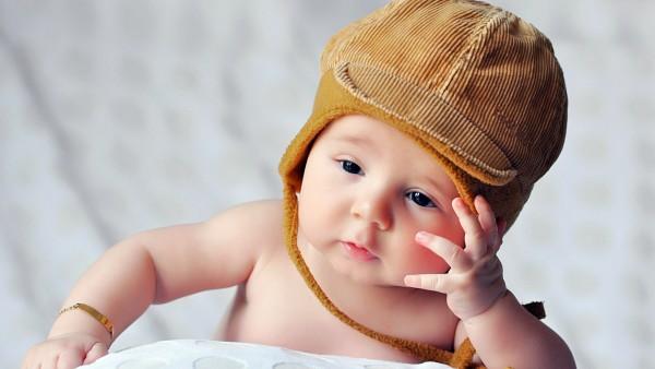 милый младенческий ребенок широкоформатные обои