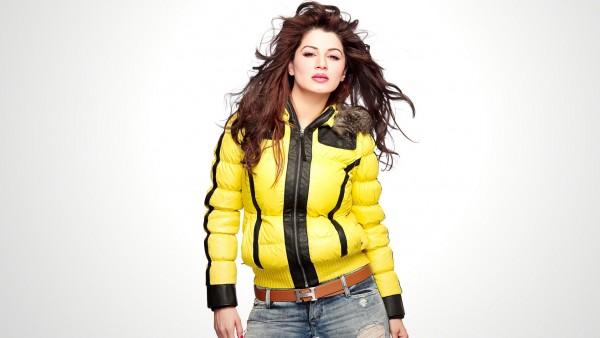 Kainaat Arora is an Indian model turned actress