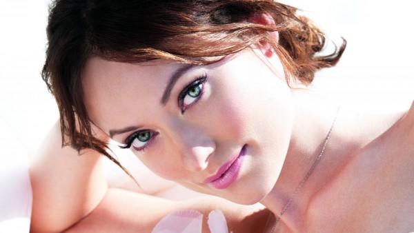 Оливия Уайлд скачать обои знаменитой актрисы бесплатно