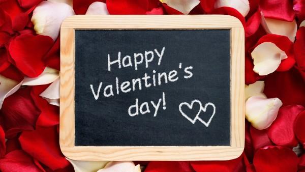 Доска, надпись, happy valentines day, rose, petals, розы, лепестки