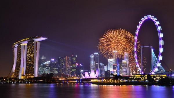 Сингапур, фейерверк, салют, аттракционы, ночной город, небоскреб, набережная