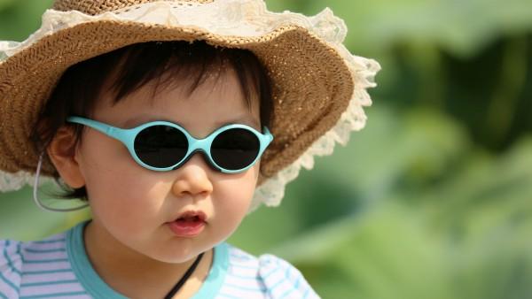 милый азиатский ребенок в очках картинки