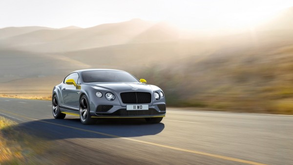 Bentley Continental GT на дороге обои hd