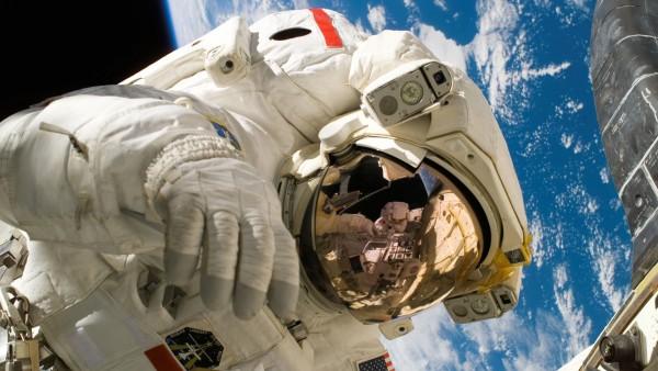 астронавт широкоформатные обои HD, космонавт картинки скачать
