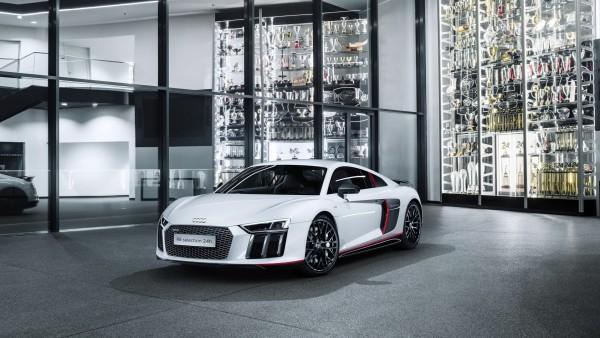 Audi R8 V10 Plus Selection 24h special edition автомобиль белого цвета