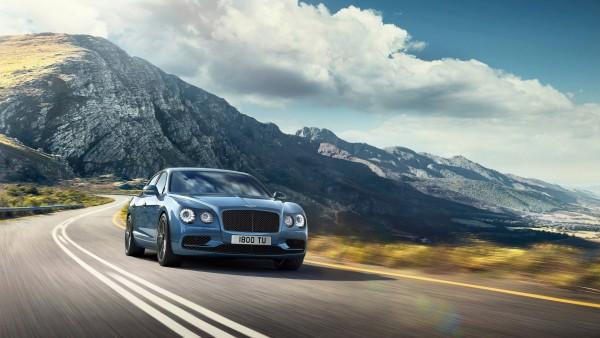 Седан Bentley Flying Spur W12 S в горах обои скачать