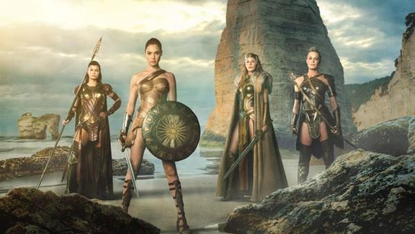 Чудо-женщина, фильм, wonder woman, gal gadot, девушка, Галь Гадот, супергерой, обои, HD, воительницы, щит, мечи, доспехи, берег, море, скалы