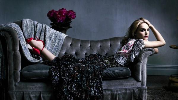 Натали Портман, Natalie Portman, актриса, знаменитость, девушка, платье, диван, фотосессия, обои