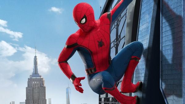 Человек-паук на небоскребе обои HD