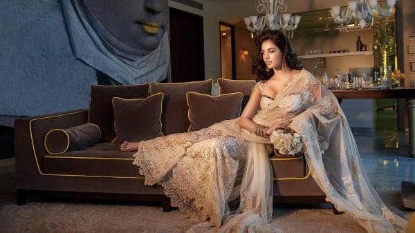 Горячая актриса Диша Патани в сари обои HD