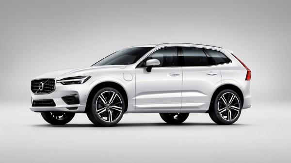 2017 Volvo XC60 T8 R Design белый авто обои 4K 3840x2160 скачать