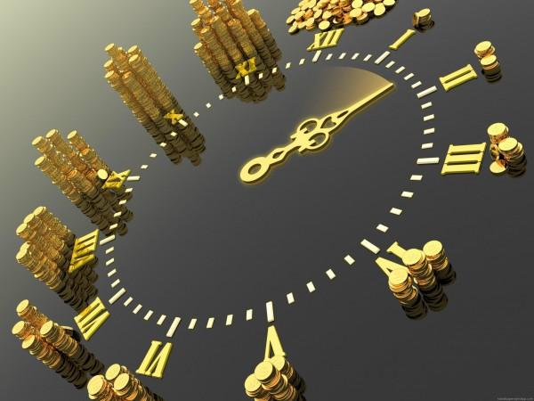 Золотые часы с монетами