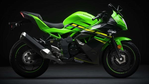 2019 Kawasaki Ninja 125 4K обои