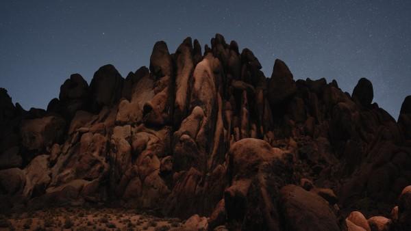 Пустынные скалы обои скачать
