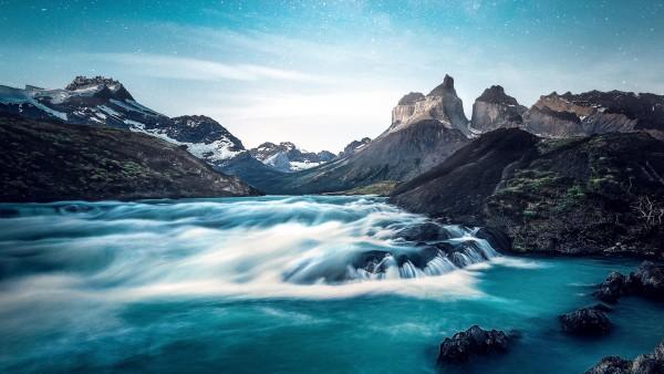 Красивые обои горной реки