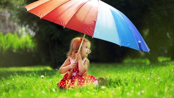 Скачать бесплатно картинки девочки с зонтиком