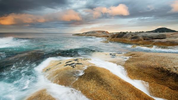 Прелесный пейзаж бушующего моря