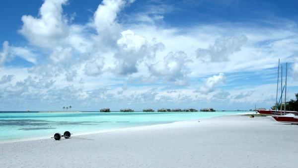 Мальдивы море