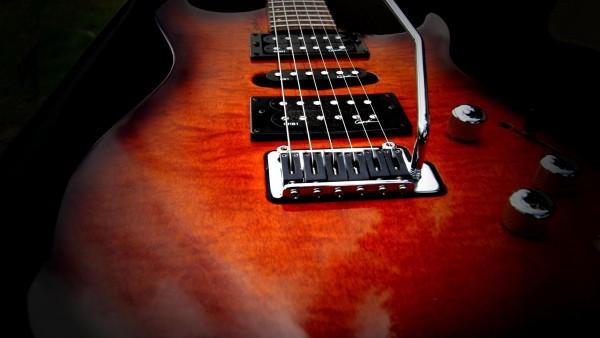 Электрическая гитара на рабочий стол заставки скачать