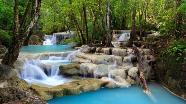 Тропический водопад пейзажи