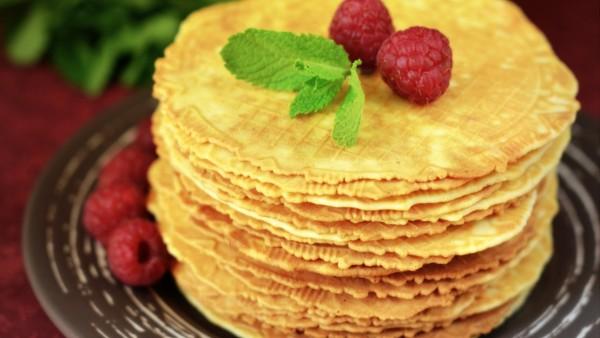 Малинки ягоды на вафлях