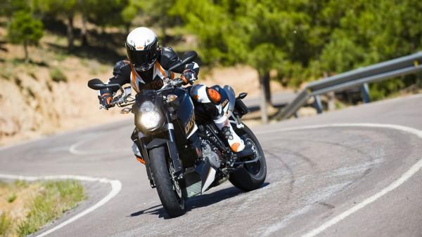 Гонка на мотоциклах обои 1920x1080