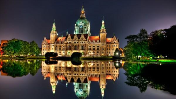 Очень красивый замок фото