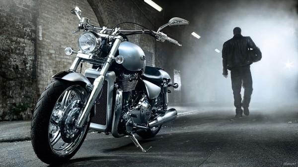 Тяжёлый дорожный мотоцикл фото