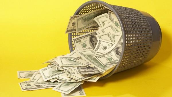Деньги в мусорном ведре картинки на рабочий стол