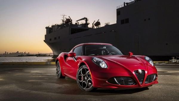 Alfa Romeo 4C красный автомобиль картинки для рабочего стола