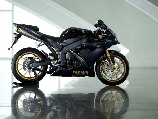 Yamaha мотоцикл картинки для рабочего стола скачать