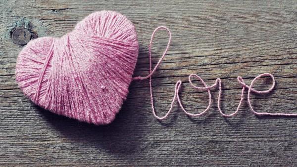 Розовое сердце любовь обои hd бесплатно скачать