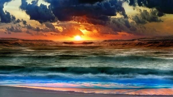 Восход через облака HD картинки для рабочего стола скачать