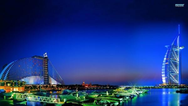 Картинка прекрасной ночи в Дубаи
