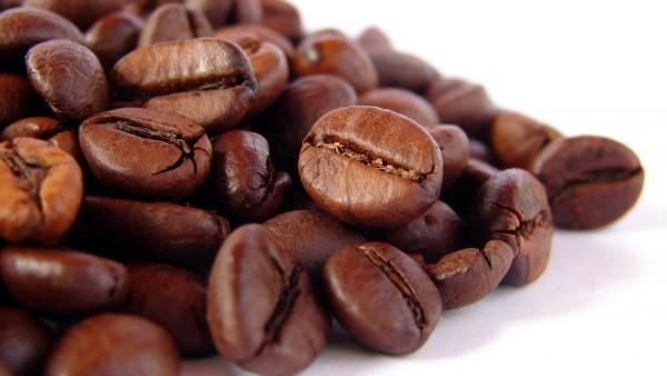 Широкоформатное фото ароматного кофе в стиле макро