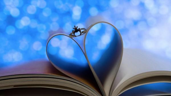 Кольцо, сердце, книга, листы, фон, романтика, обои hd, бесплатно