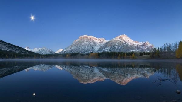 Горы, леса, озера, луна, ночь, пейзаж отражение картинки, пейзажи, фоны, заставки