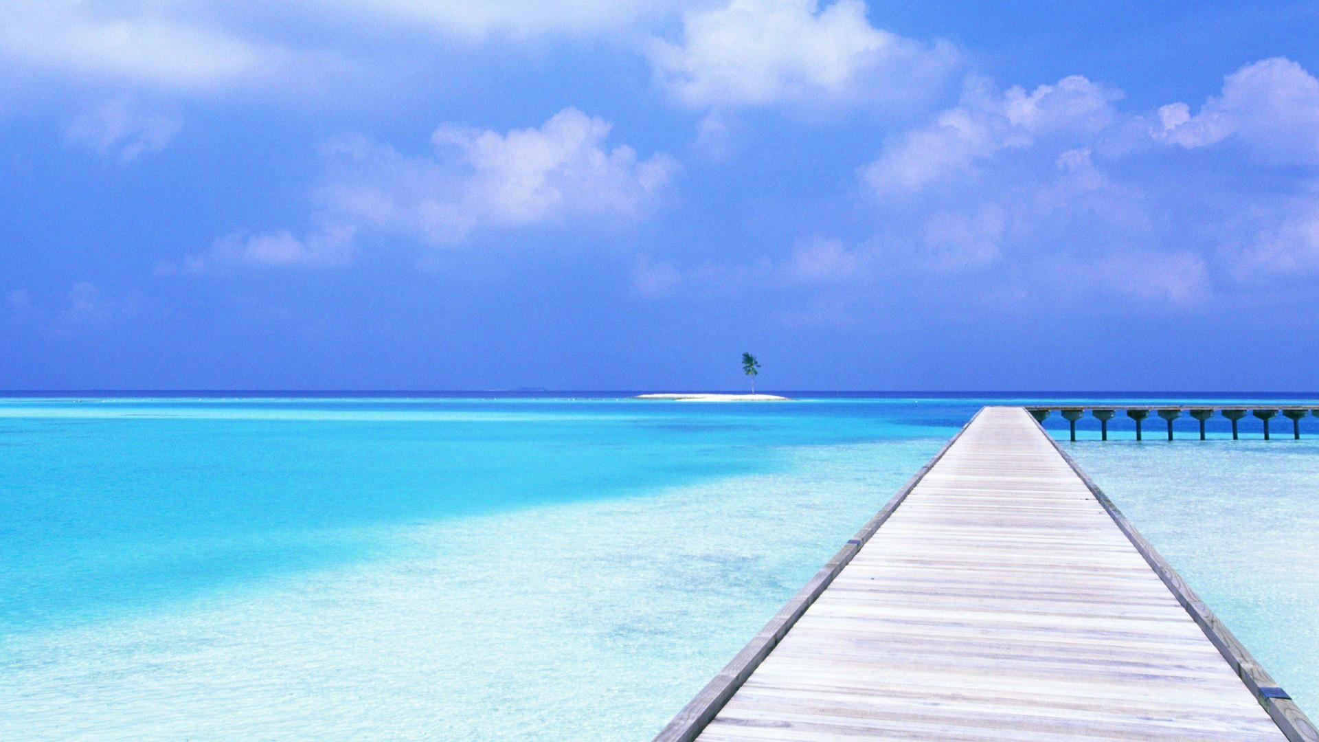 Обои для рабочего пляж море стола скачать бесплатно
