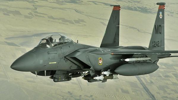Ф-15 Fighter Jet военный самолет Eagle Фоны скачать