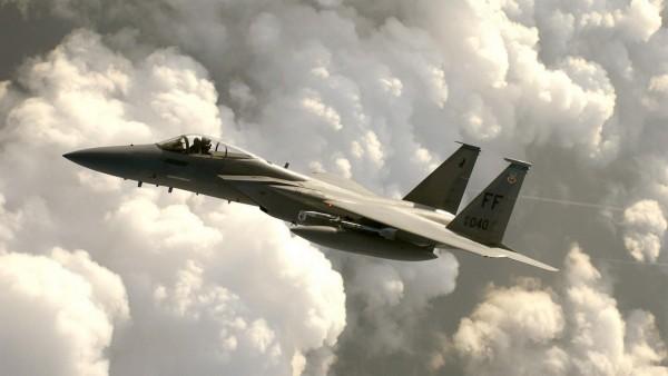 F-15 Eagle военный истребитель обои