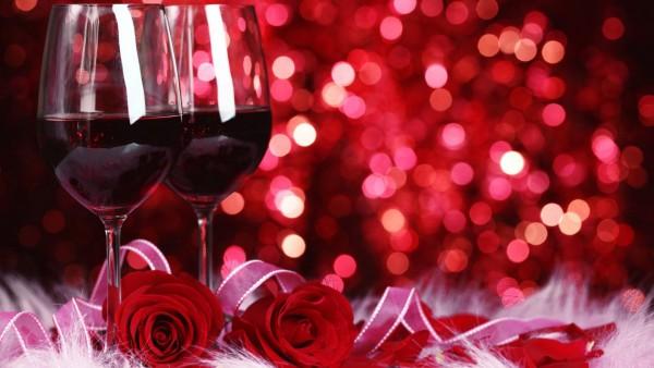 Красное вино и розы романтика