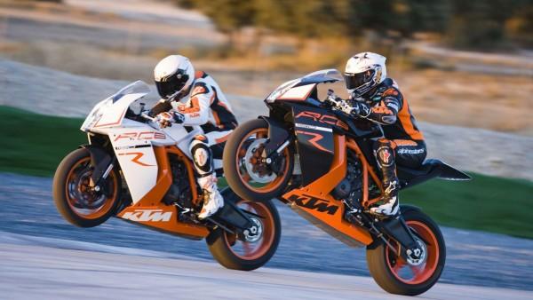 Ktm 1190 Rc8r Wheelie гонки