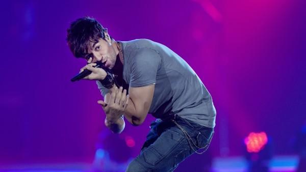 Энрике Иглесиас на концерте фото