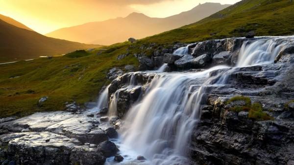 Живописный водопад Дания бесплатно картинки