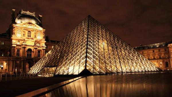 лувр в париже фото