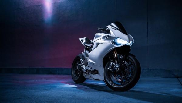 Ducati 1199 Panigale S широкоформатные заставки