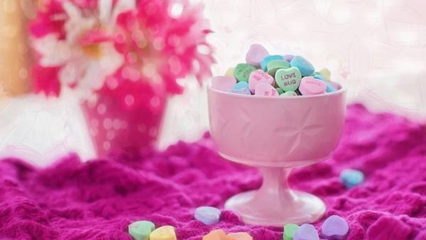 Валентина любовь, сердца, свечи, романтика