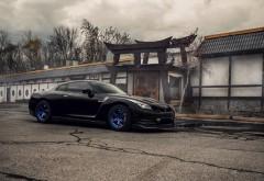 Автомобиль Nissan GT-R R35
